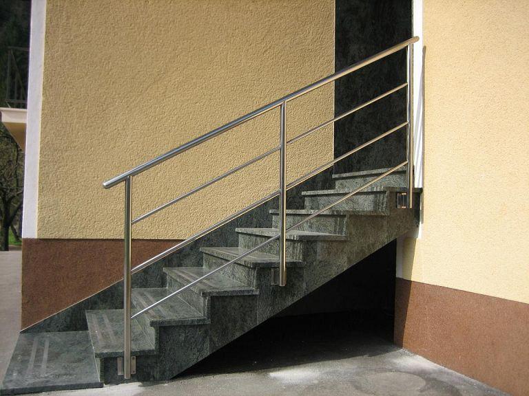 Inox ograja za zunanje stopnice