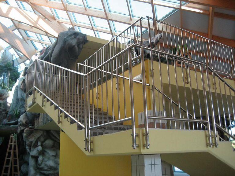 Notranja ograja za stopnišče