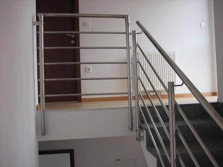 Kovinska ograja za poslovne objekte